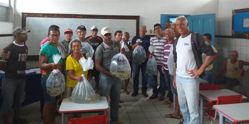 #PrefeituradeJitaúna #SecretariadeAgriculturaeMeioAmbiente #AlevinosAosProdutoresRurais